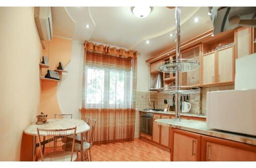 Продается 2-х комнатная квартира  в центре Севастополя - Квартиры в Севастополе