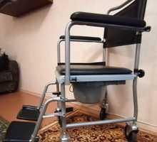 Новое инвалидное кресло с санитарным устройством(съемное) - Медтехника в Крыму