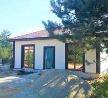 Продам новый ЖИЛОЙ дом 90 кв.м у моря на Фиоленте. На участке сосны. 6,5 млн.р. - Дома в Севастополе