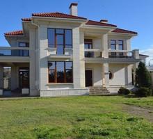 Продается дом 300 кв. м на берегу моря на ул. А. Первозванного в Севастополе - Дома в Севастополе