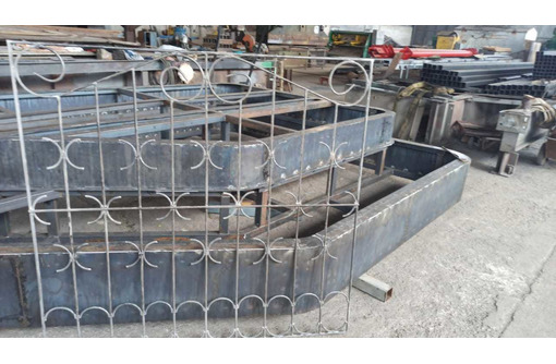 Изготовим установим решетки, лестницы, двери, ворота , навесы, козырьки, перила - Металлические конструкции в Севастополе