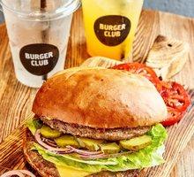 Компании «Burger Club» требуется кассир для работы в ТЦ «Меганом» г. Симферополь - Продавцы, кассиры, персонал магазина в Крыму