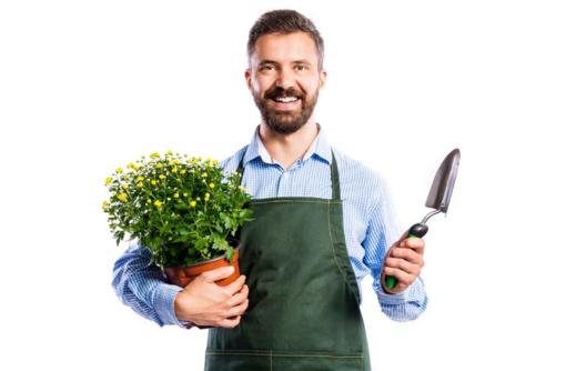 Требуются в пансионат «Алые паруса»: Сантехник, Охранник, квалифицированный Агроном-садовник - Другие сферы деятельности в Алуште