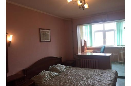3-комнатная, Вакуленчука-10, Стрелецкая бухта. - Аренда квартир в Севастополе