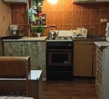 Продам  просторную 2-х комнатную квартиру вблизи центра города Севастополя! - Квартиры в Севастополе