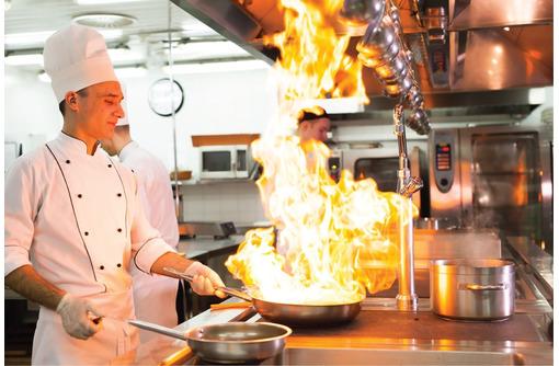 В кафе требуются официант, повар горячего цеха, бармен. - Бары / рестораны / общепит в Севастополе