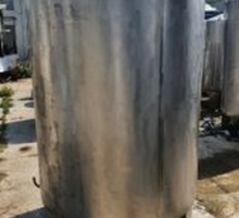 Емкости нержавеющие, объем — 1,6 куб.м., вертикальные - Продажа в Крыму