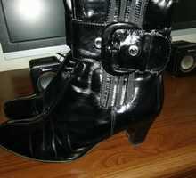 Сапоги женские, черн. цв., без износа, разм. 38, 500 р, лак/замша/кожа, в Ялте, - Женская обувь в Ялте