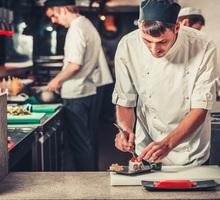 В японский ресторан требуется повар-сушист - Бары / рестораны / общепит в Севастополе