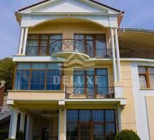Продаю дом 515м² на участке 10 соток - Дома в Ялте