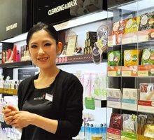 В магазин Корейской косметики требуется продавец-консультант г.Симферополь. - Продавцы, кассиры, персонал магазина в Симферополе