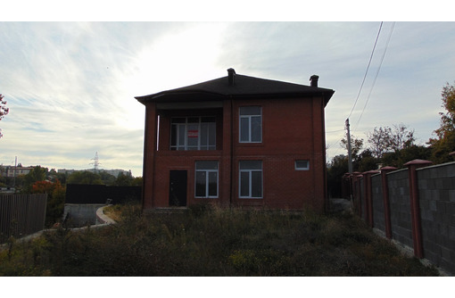 Продается 2-этажный дом 191 м.кв. вблизи центра города Севастополь, пер. Косогорный, д. 1-А - Дома в Севастополе