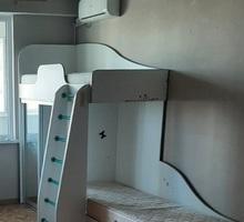 ПРОДАМ двухярусную детскую кровать - Мебель для спальни в Севастополе