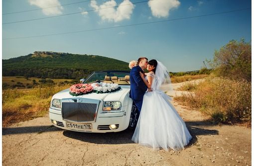 Свадебные ретро-седан Экскалибур, Крайслер 300С стиль Бентли, другие авто и лимузины - Пассажирские перевозки в Севастополе
