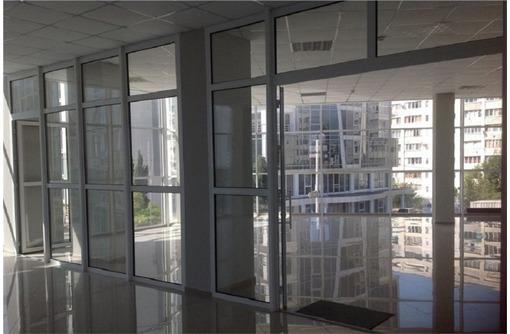 Красная линия Торгово-Офисное помещение на ул Колобова (гагаринский район), площадь 200 кв.м. - Сдам в Севастополе