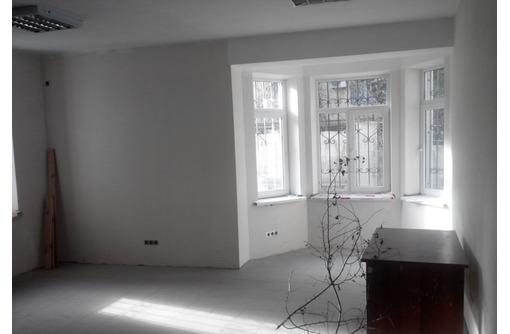 НОВЫЙ! Офис в районе ул Кулакова - Трех кабинетный, Ремонт под арендатора, площадью 80 кв.м., фото — «Реклама Севастополя»