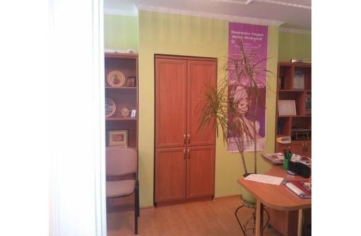 Элитный двух-кабинетный Офис в районе ул. Ленина, 35 м2 - Сдам в Севастополе