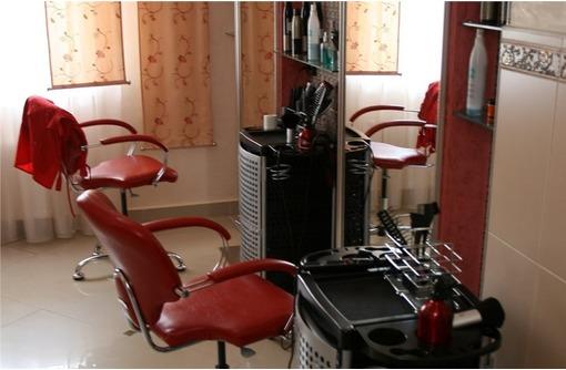 Оборудованный Салон Красоты в Камышах, площадью 25 кв.м. - Сдам в Севастополе