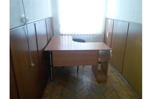 Двух-кабинетный МЕБЛИРОВАННЫЙ Офис на Николая Музыки, площадью 18,2 кв.м., фото — «Реклама Севастополя»