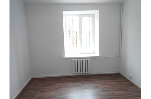 Офис кабинет на пл Восставших, площадью 15 кв.м., фото — «Реклама Севастополя»