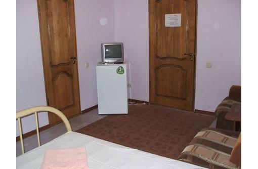 Сдаю номера в гостинице на 2,3,4 места круглый год - Аренда комнат в Геленджике