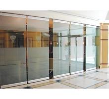 Цельностеклянные витрины, двери, перегородки из стекла - Двери межкомнатные, перегородки в Краснодаре