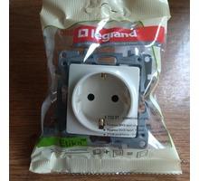 Розетки и выключатели Legrand - Электрика в Краснодаре