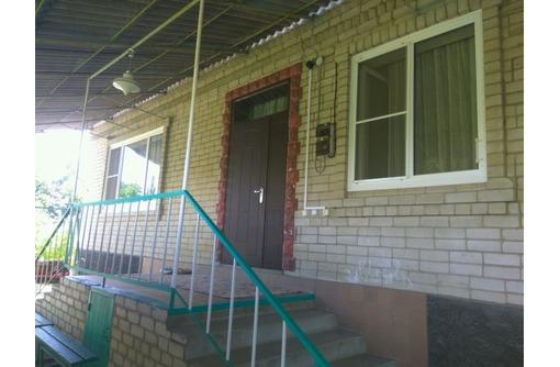 В продаже шикарный, кирпичный дом Общ.S: 140 кв.м - Дома в Гулькевичах