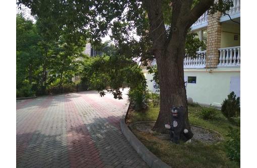 Просторная квартира с террасой в элитном жилом доме в 70 метрах от набережной - Квартиры в Геленджике