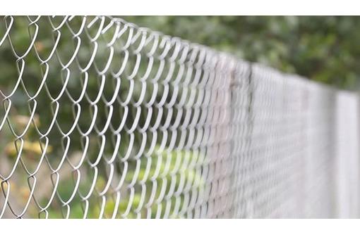 Сетка Рабица оцинкованная в рулонах оптом и в розницу с доставкой, фото — «Реклама Армавира»