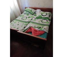 Продается 2х спальная кровать бу - Мебель для спальни в Сочи