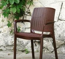 Стильные стулья и столы из пластика под Ротанг - Столы / стулья в Краснодаре