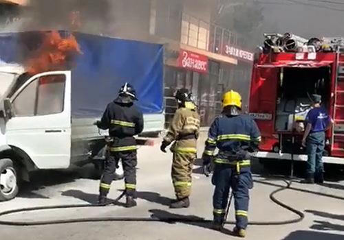 В центре Геленджика сгорела грузовая «Газель»