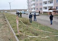 В Крымске во дворе жилого комплекса образовался разлом земли, фото — «Рекламы Крымска»