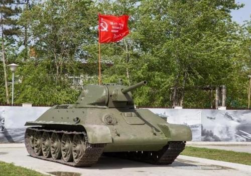 В Анапе в парке военной техники установили танк Т-34