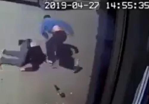 Школьник жестоко избил мужчину в Анапе ВИДЕО