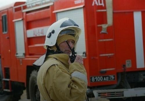 В Анапе горит крыша трехэтажного здания