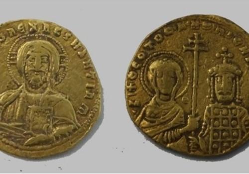 Редчайшие средневековые монеты из Византии нашли на Кубани