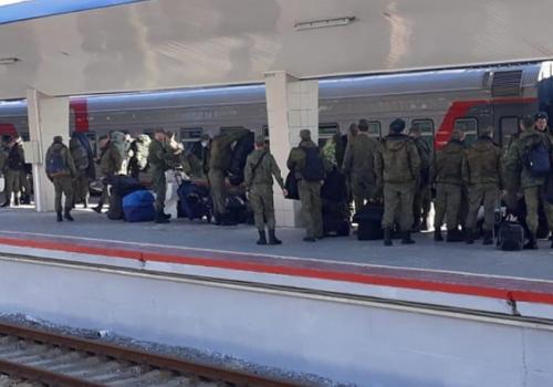Вернувшиеся с репетиции Парада Победы в Москве кубанские казаки ушли на самоизоляцию в Анапе