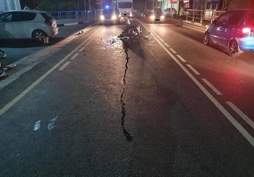 В Геленджике водитель иномарки на трассе сбил мотоциклиста