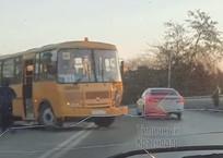 Два человека пострадали в ДТП с двумя школьными автобусами на Кубани, фото — «Рекламы Гулькевичей»
