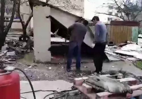 В Геленджике местные жители сами демонтировали 52 гаража во дворе многоэтажки