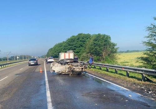 На трассе «Краснодар-Кропоткин» в лобовом ДТП один человек погиб, пострадали пятеро