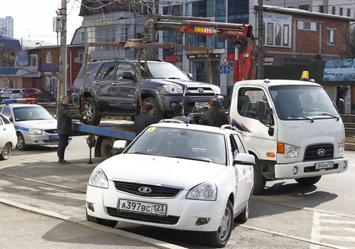 На Кубани вернут эвакуацию неправильно припаркованных машин