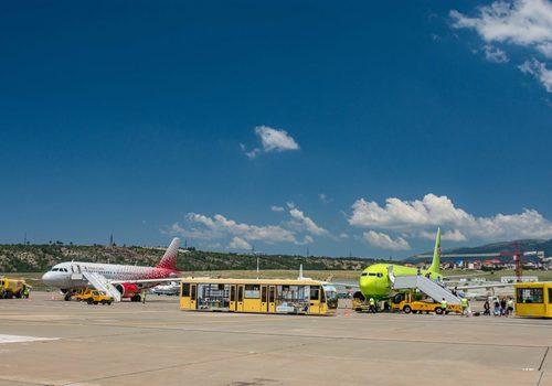 В аэропорту Геленджика из-за сильного ветра отложили вылет семи авиарейсов