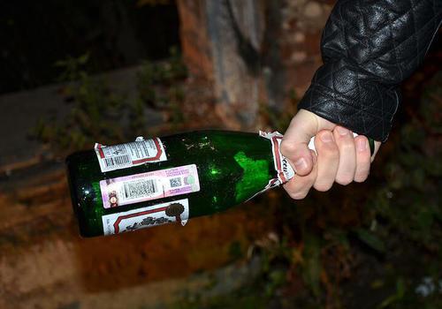 Житель Майкопа убил 19-летнюю девушку бутылкой шампанского