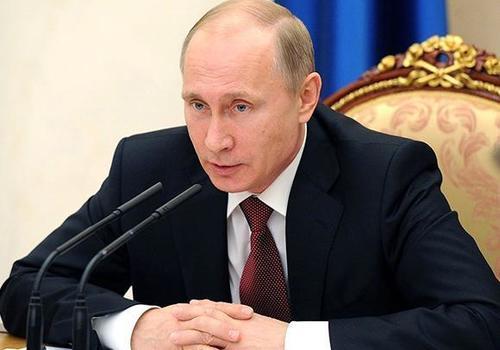 Путин подписал указ о единовременной выплате в 10 тыс. рублей семьям с детьми