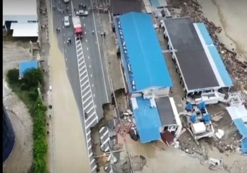 Лермонтово сняли с квадрокоптера. Поражает масштаб наводнения и его последствий ВИДЕО