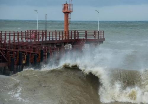 Это циклон-монстр! Синоптик рассказал, почему ливни и шторма захватили Сочи этим летом