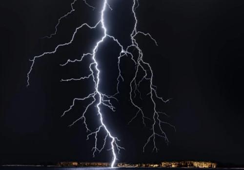Возможны смерчи и подтопления: МЧС объявило штормовое предупреждение на 27 и 28 июля в Краснодарском крае